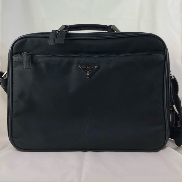 191e7dc5a010 Authentic Vintage Prada Laptop Case Black Nylon. M_5b00f7cb3a112e2cfe5897e4